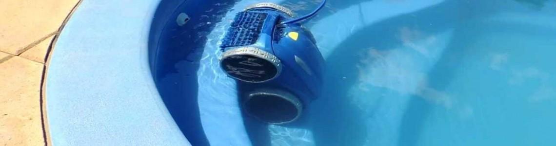 High-tech pool cleaners